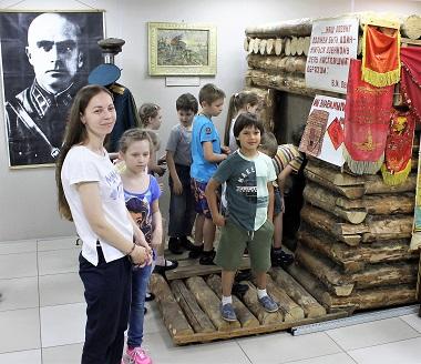 Блиндаж в школьном музее